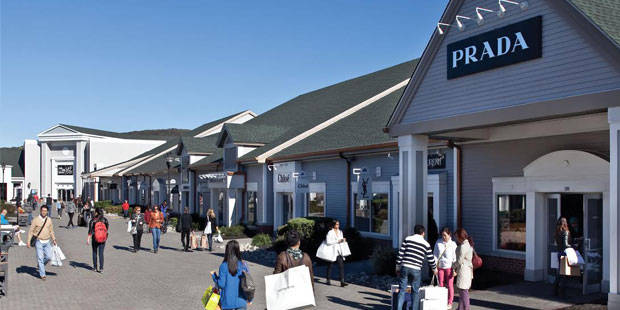 Woodbury Common Premium Outlets Day Trip 1