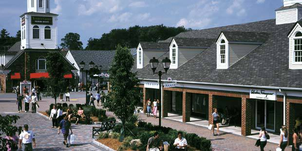Woodbury Common Premium Outlets Day Trip 3