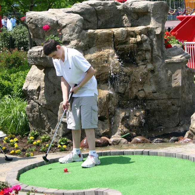 Navy Pier Adventure Golf