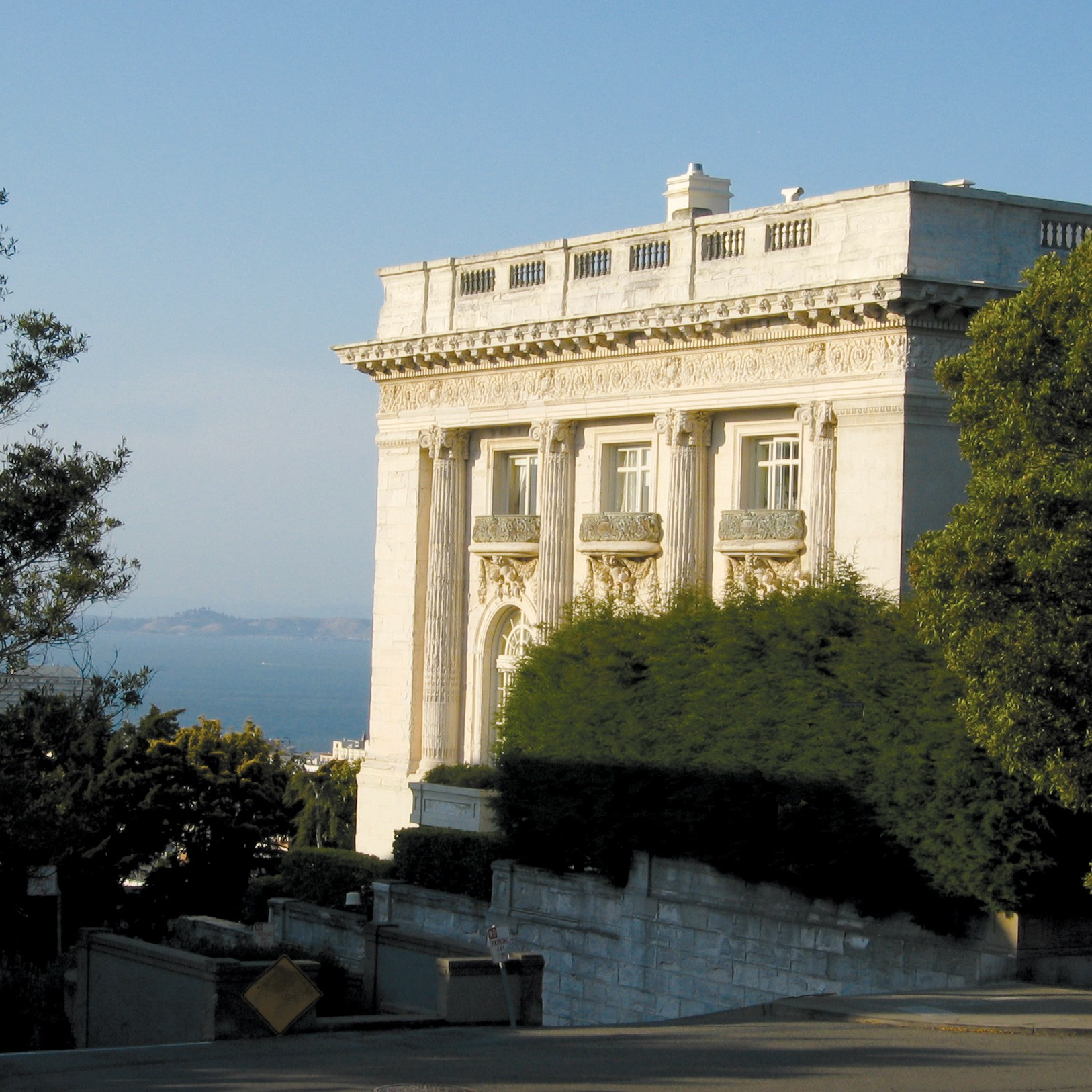 Pacific Heights Walking Tour