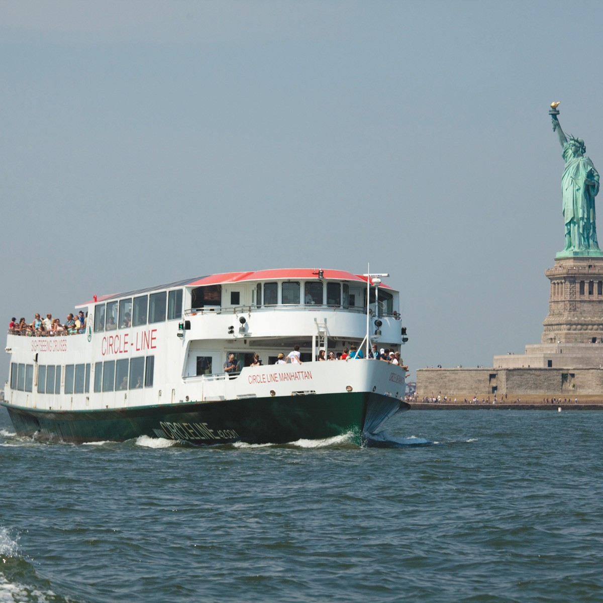 Full Island Cruise (3 hours) by Circle Line Sightseeing Cruises