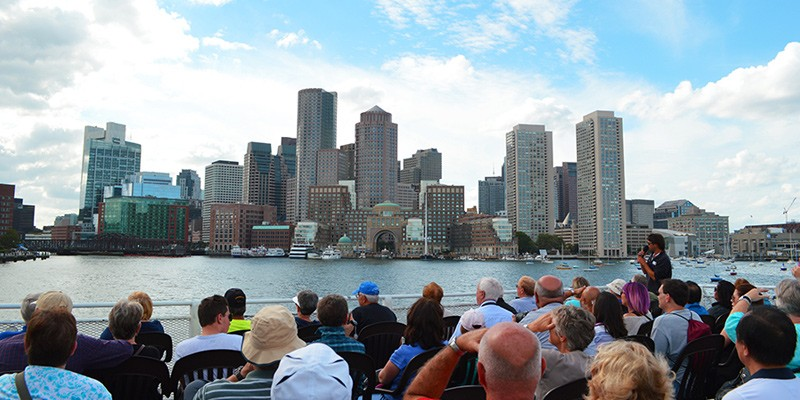 USS Constitution Cruise di Boston Harbor Cruises