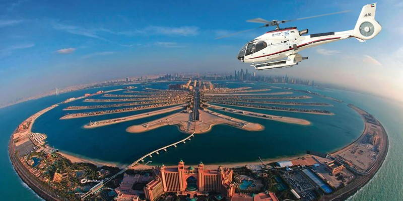 Helicopter Sightseeing Tour of Dubai (15 minutes)