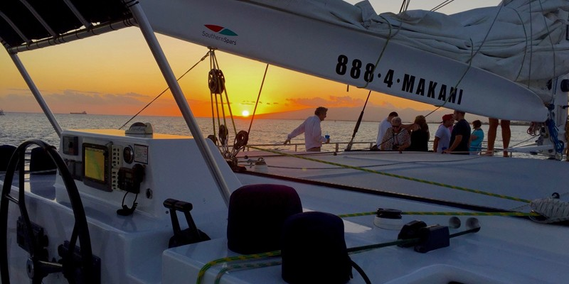 Sunset Dinner Sail en Makani Catamaran