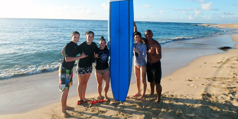 Lezione di surf semi-privata di Oahu (per 2 +) di Sea & Board Sports Hawaii