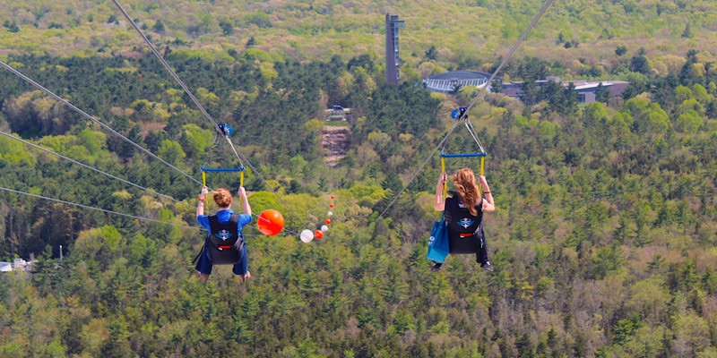 Foxwoods Resort Casino的HighFlyer Zipline